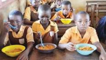 Worry, as FG spends N679m daily on feeding schoolchildren during lockdown